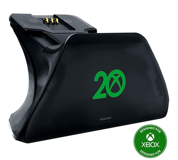 Podstawkę do ładowania padów 20 lat Xbox
